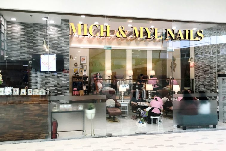 Mich & nails1
