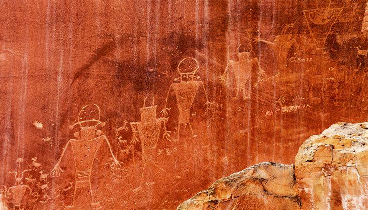 先住民族の岩絵
