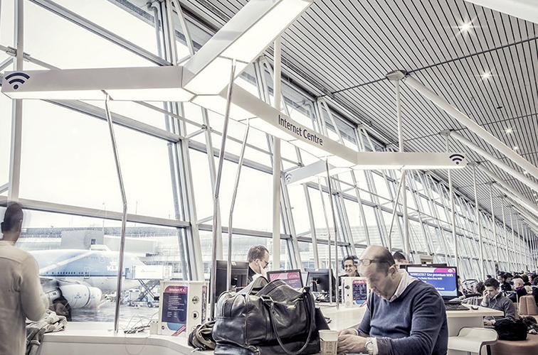 洗練されたデザインで居心地のよい「スキポール空港」