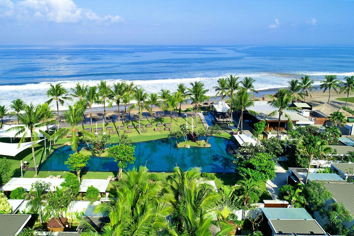 the-samaya-seminyak-arieal-view-of-main-swimming-pool-and-the-beac-1538489040