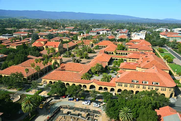 スタンフォード大学(正式名称:リーランド・スタンフォード・ジュニア大学)