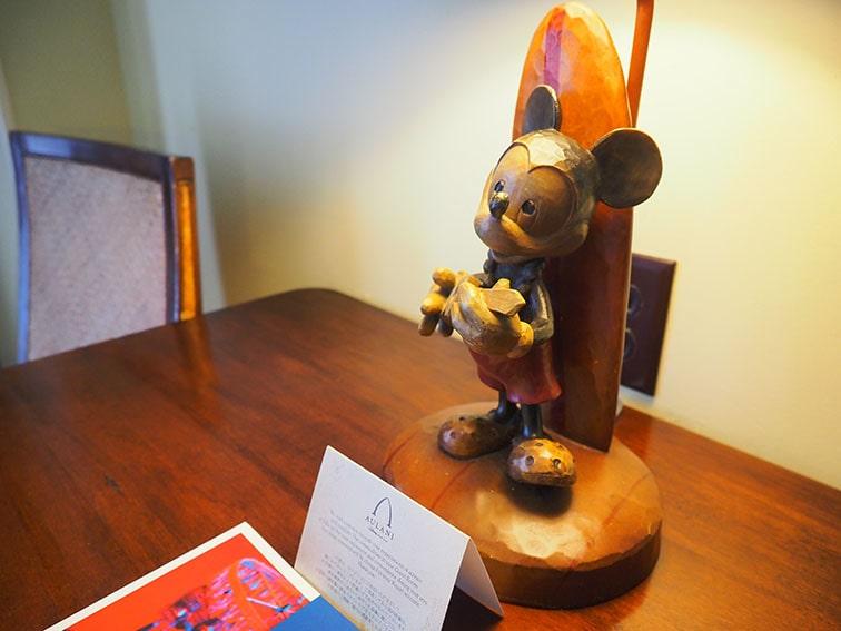 テーブルランプの支柱はミッキーマウス!