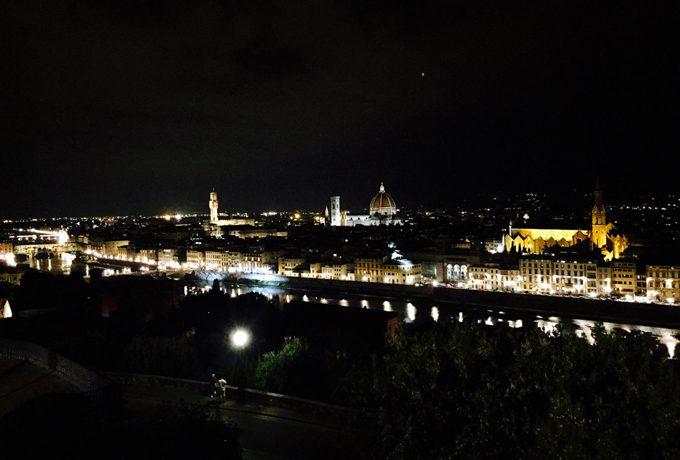ミケランジェロ広場からの夜景