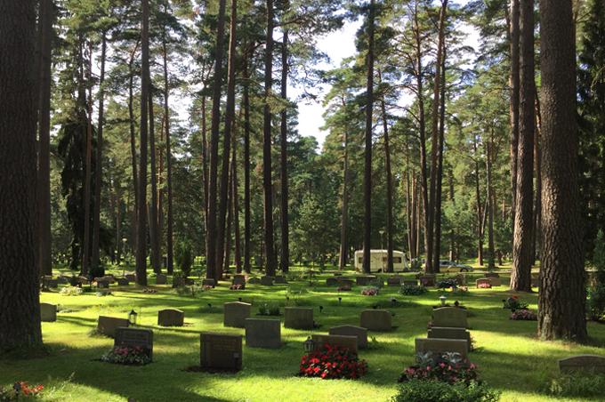 世界文化遺産の共同墓地スコーグスシュルコゴーデン