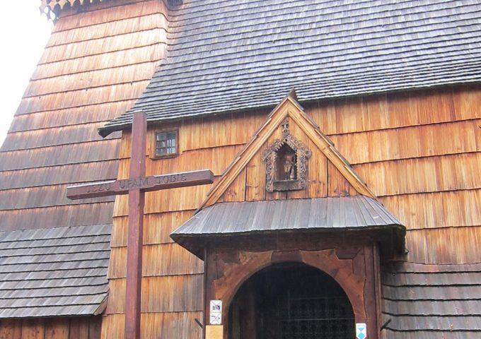 デンブノの木造教会