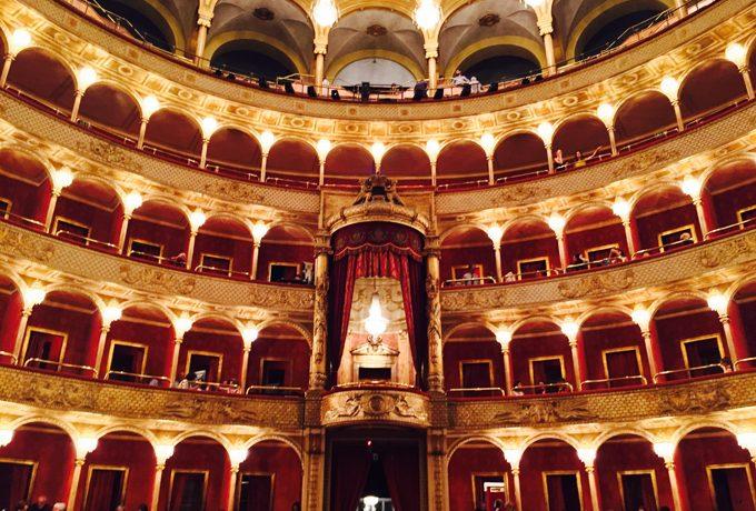 オペラ座の内部
