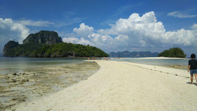 青い海と白い砂と透明な海