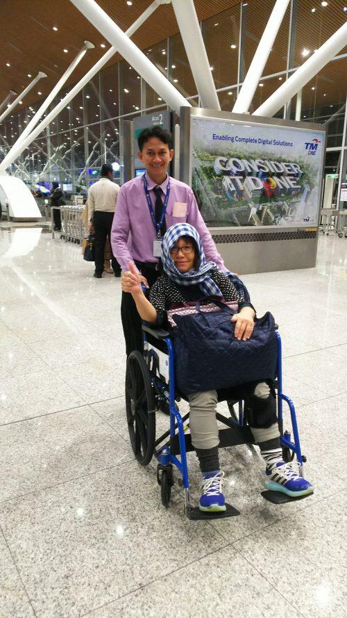 空港にて、本当に助かりました