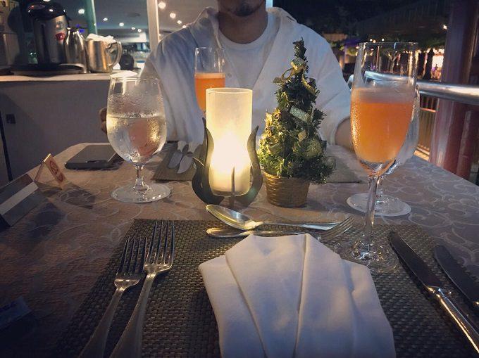 タイの夜風に当たりながら最高のディナーでした