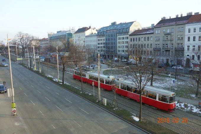 ホテルの窓から、ウィーンのトラム