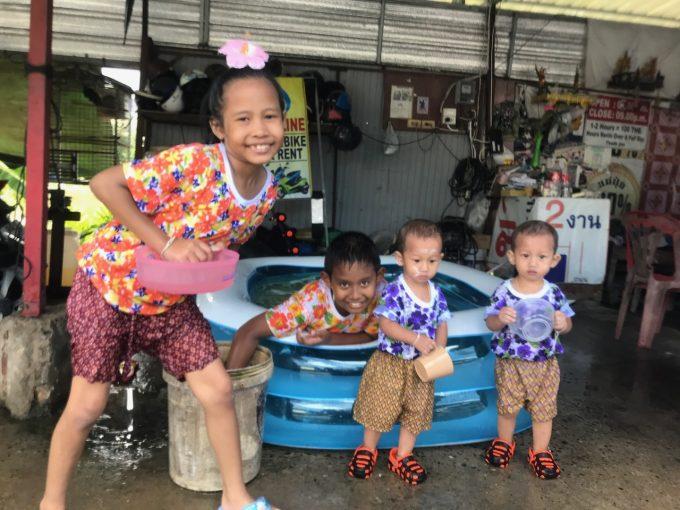 サムイ島の子供たち