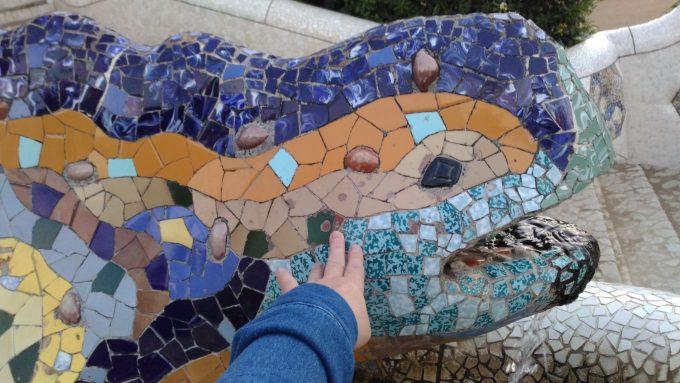 グエル公園の青いトカゲ