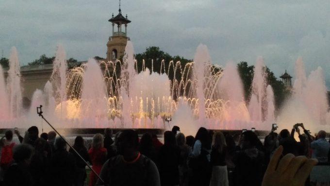 カタルーニャ美術館前で見た噴水ショー