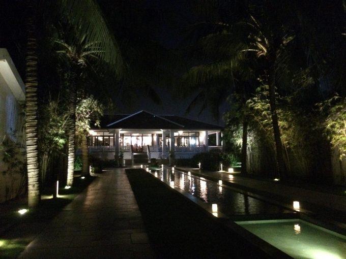 夜の景観も美しいホテル