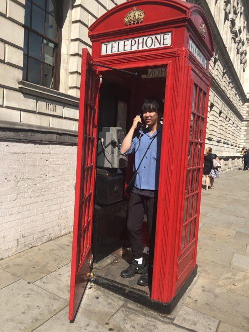 ロンドン名物、赤い電話ボックス