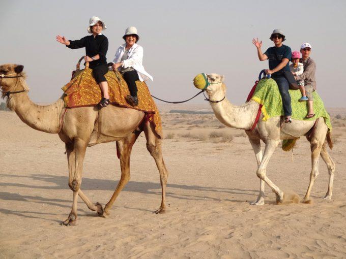 砂漠とラクダでアラブの住人気分♪