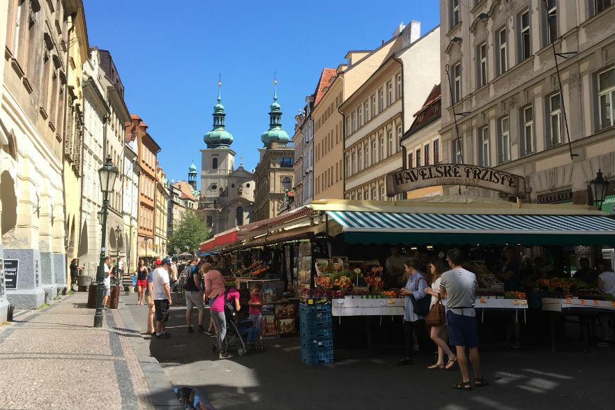 プラハ ハヴェル市場