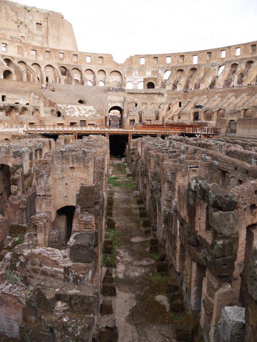 コロッセオの大きさと歴史に感動