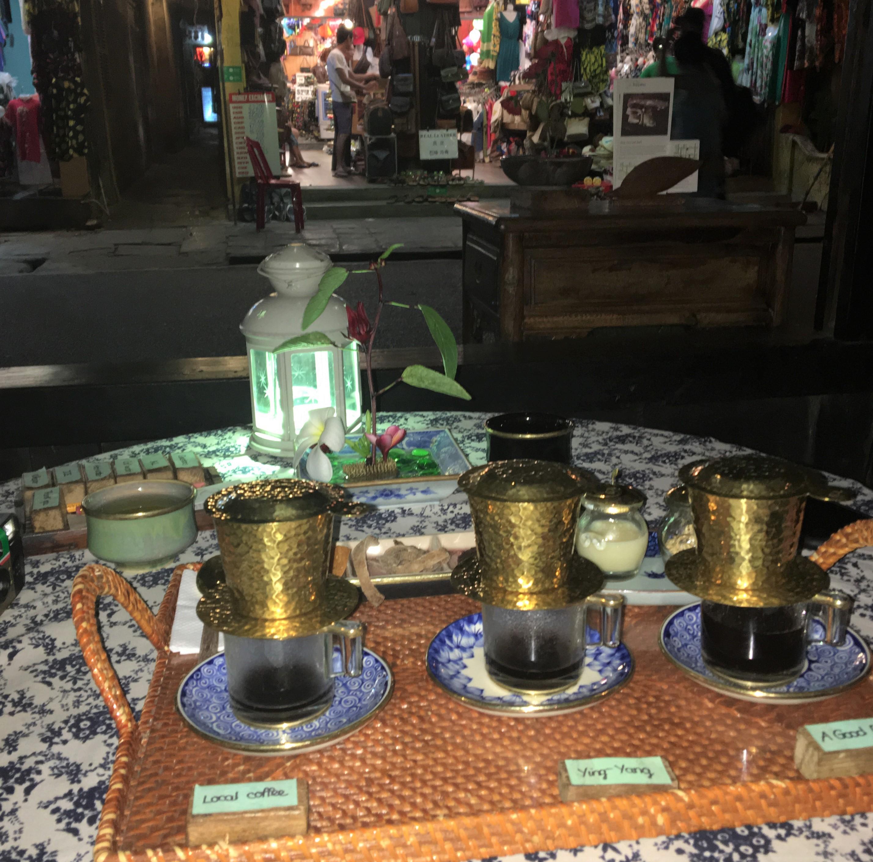 ホイアンで訪れたカフェ reaching out tea house