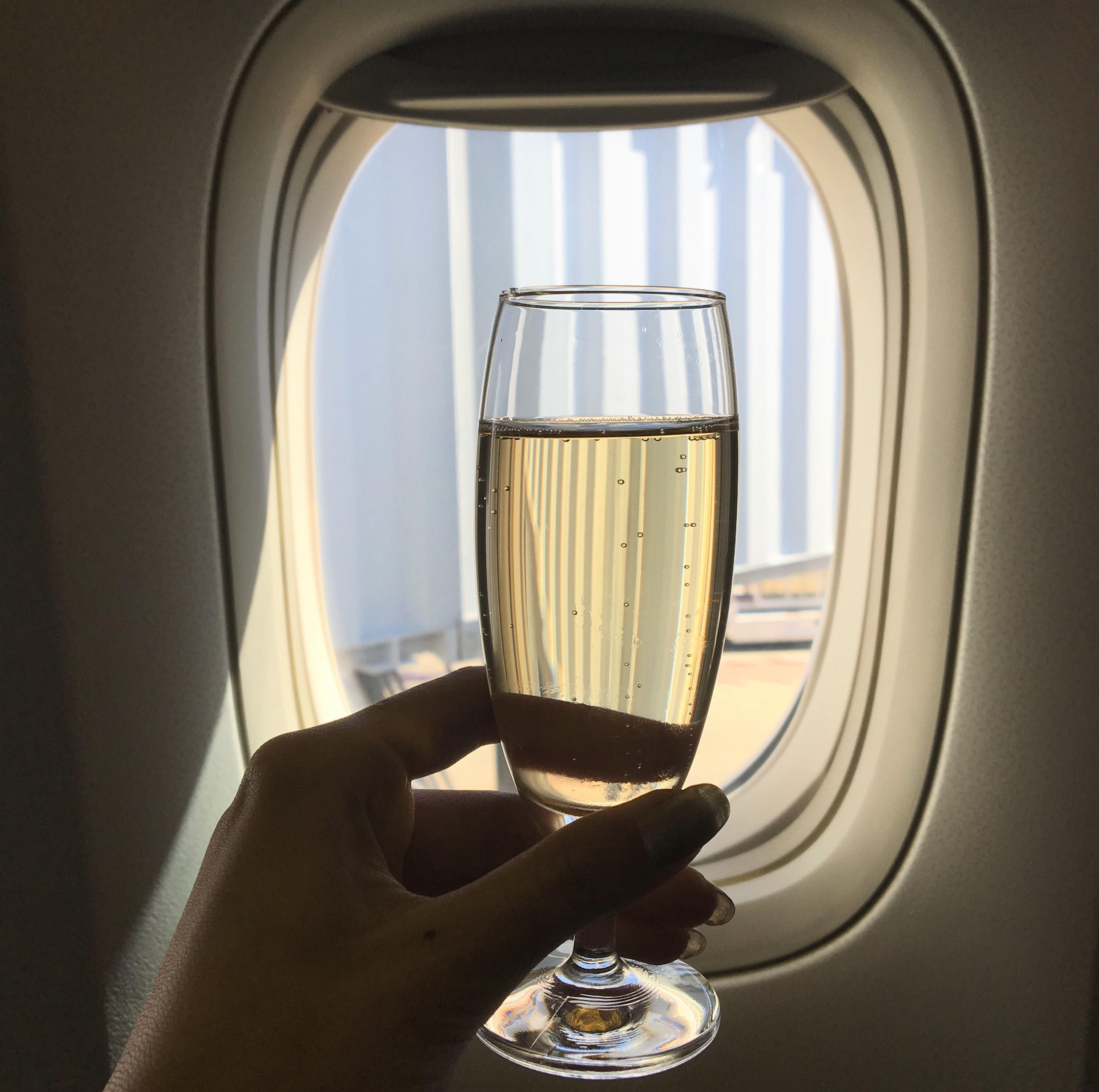 ウェルカムドリンク「シャンパン」で贅沢に乾杯