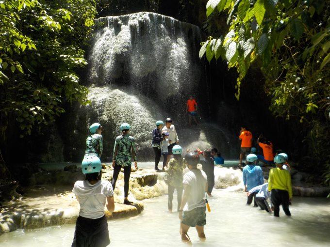 アギニットの滝