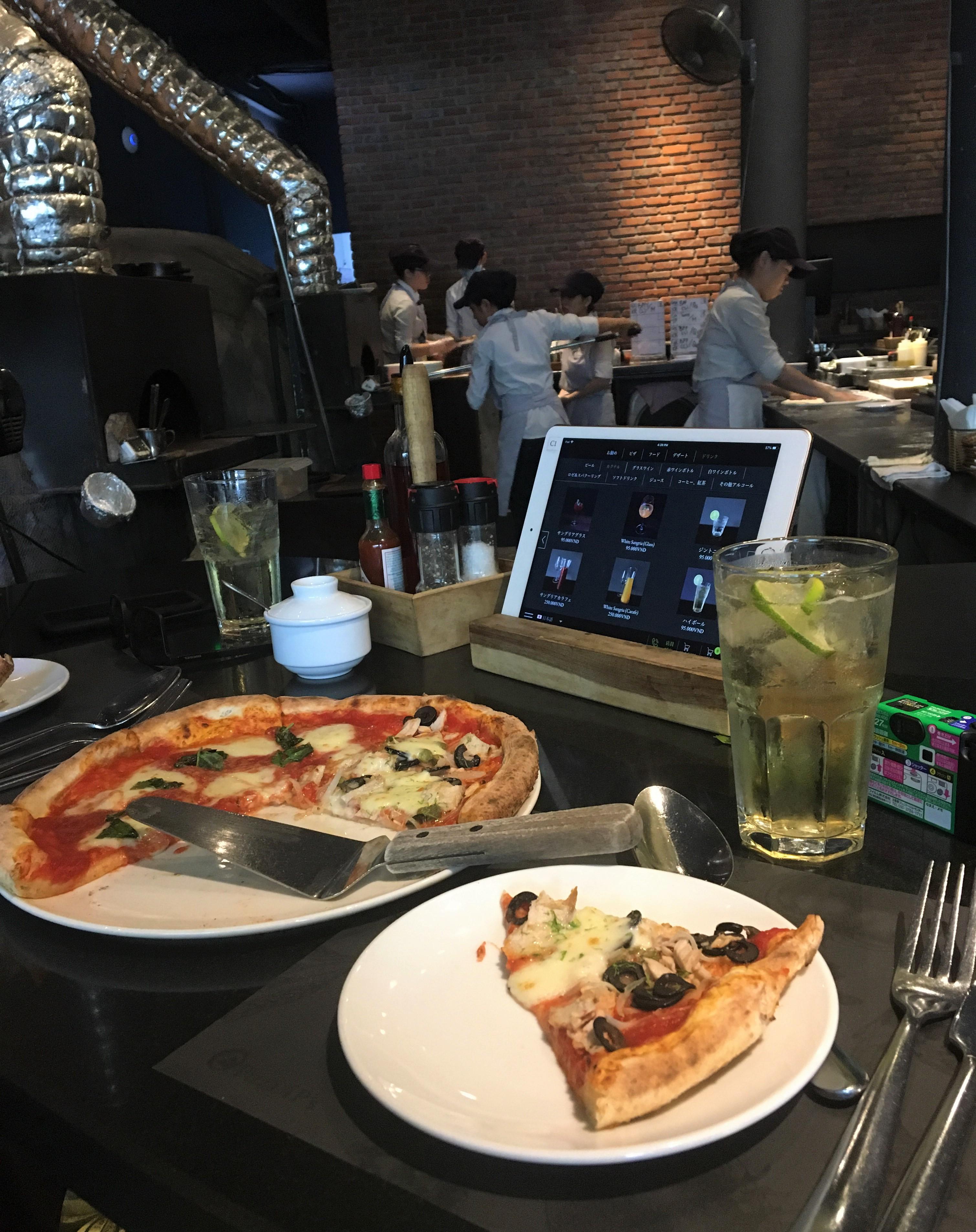 ダナン市内のピザ屋