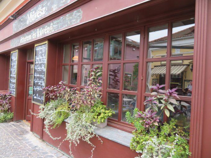 「センテンドレ」のカフェ