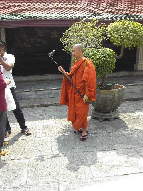 仏教国タイらしい一枚