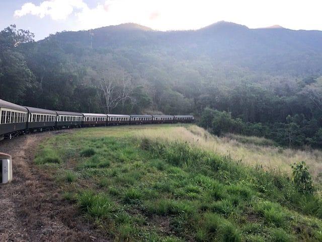 「世界の車窓から」で有名な、キュランダ鉄道