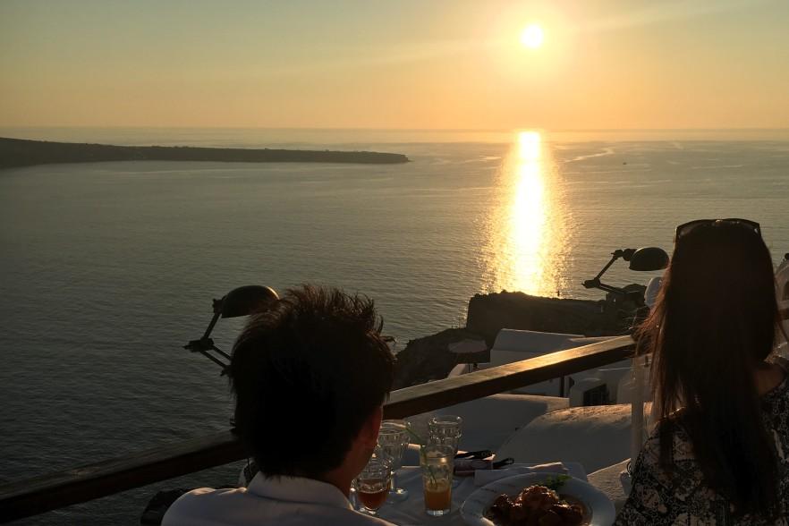 62e917a2c9e3a 旅行記 新婚旅行は念願のサントリーニ島!夢のような時間を過ごしました ...