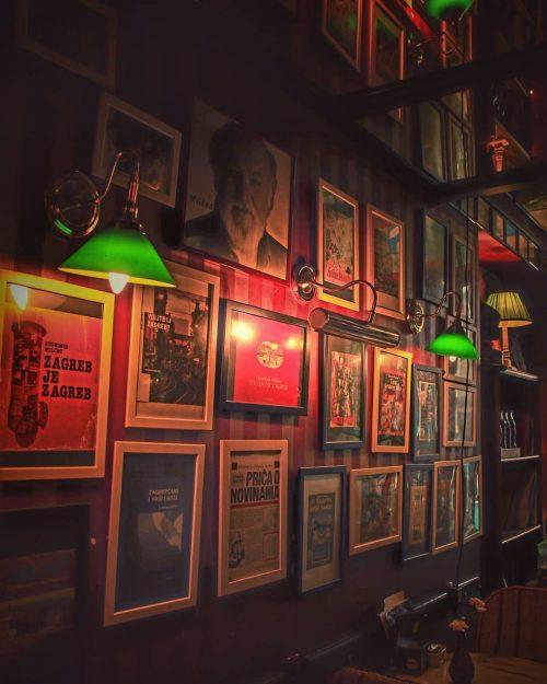 ヨーロッパらしいお店の壁