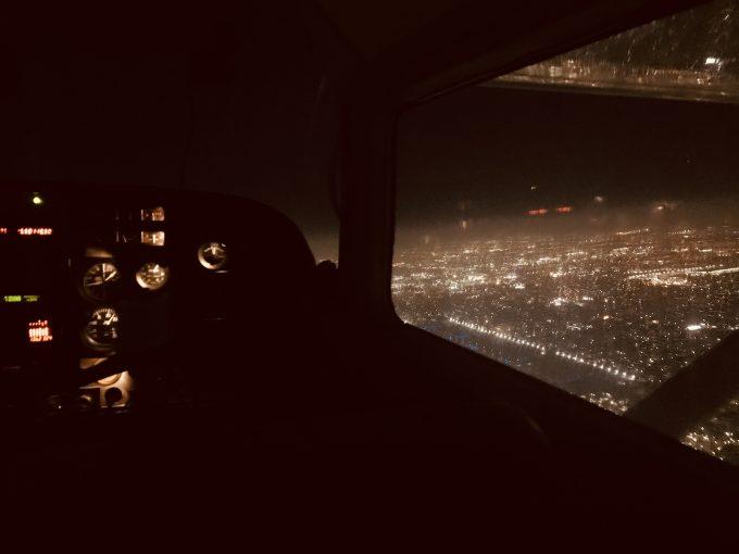 セスナ 夜景飛行