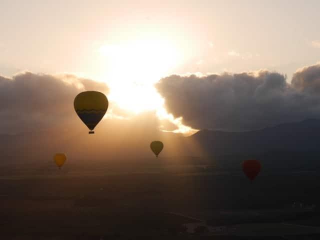 気球からみた朝日。心が洗われました。
