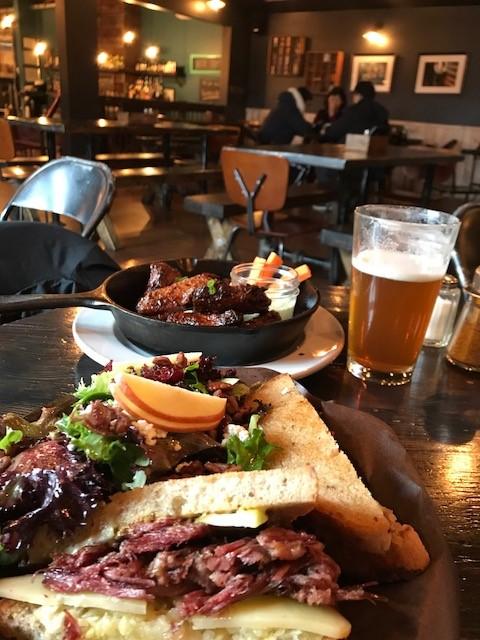 「The Woodyard Brewhouse & Eatery」