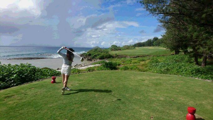 海をみながらのんびりゴルフ♪