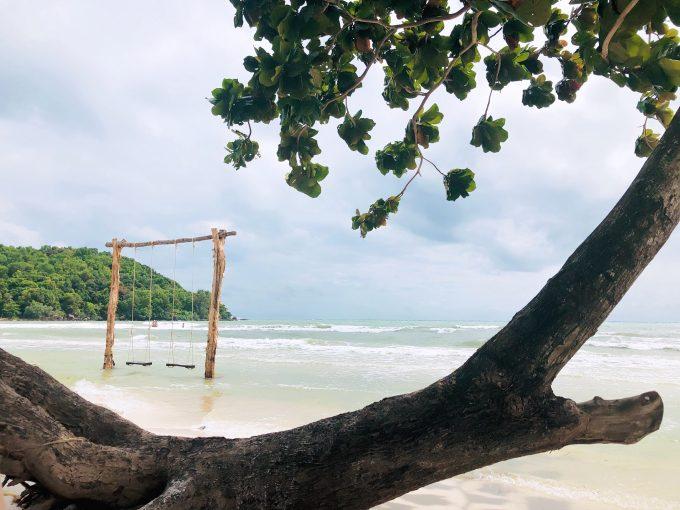 サオビーチのブランコ