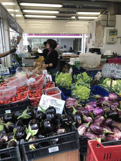 スタッチョ市場のマルシェ
