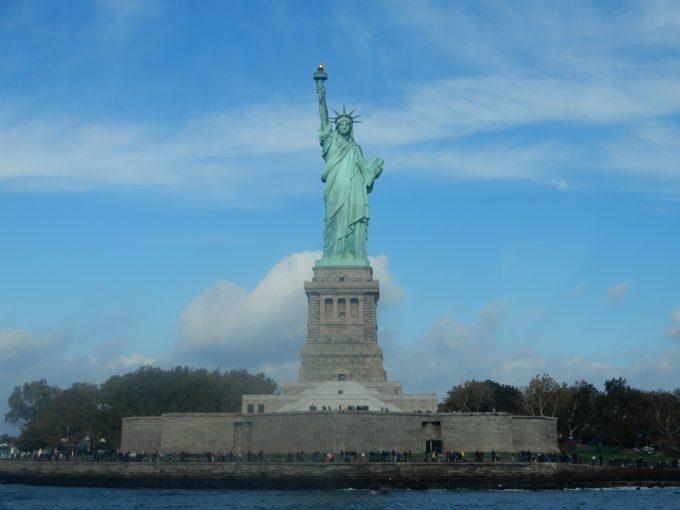 「自由の女神」フェリーから撮影