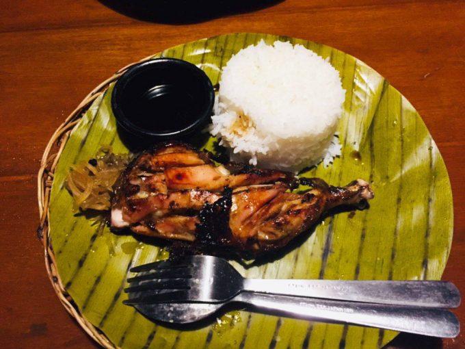 マリバゴグリルで食べた初めてのフィリピン料理