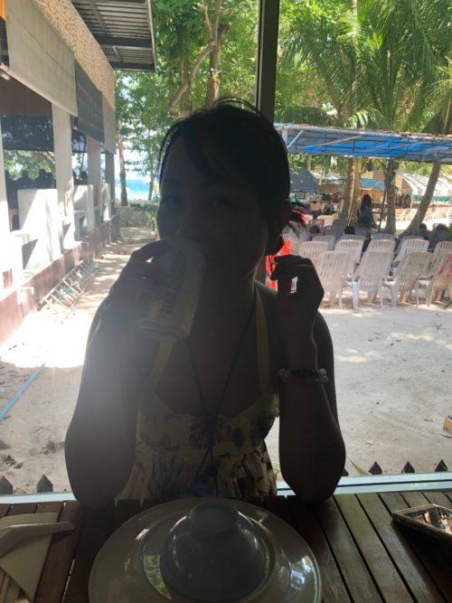 コーラル島でのランチ