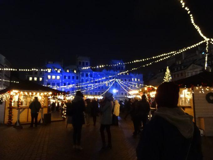 ワルシャワ中央広場クリスマスマーケット