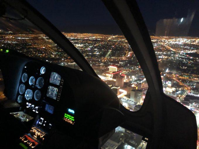 ヘリコプターでロスの夜景を鑑賞