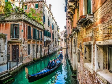 ベネチア:運河とゴンドラ