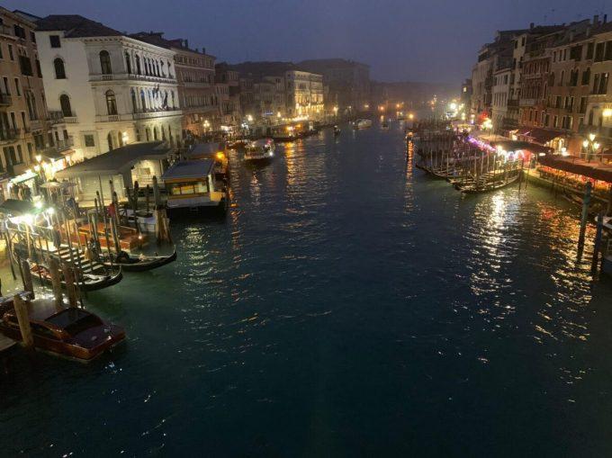 夜のベネツィア