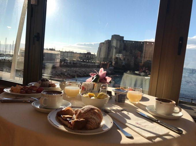 卵城を目の前に食べた朝食ビュッフェ