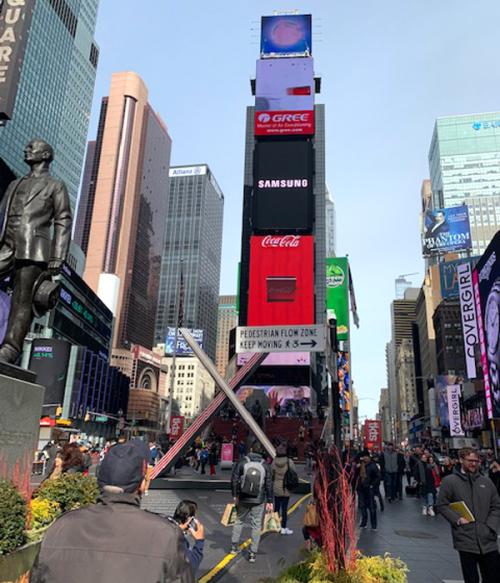 ニューヨークの中心「タイムズスクエア」