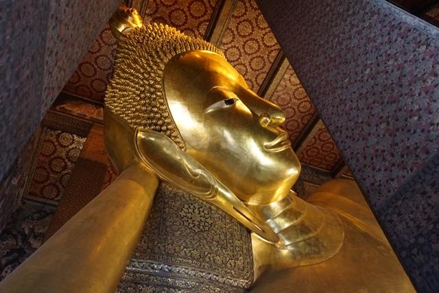 金の大寝釈迦仏