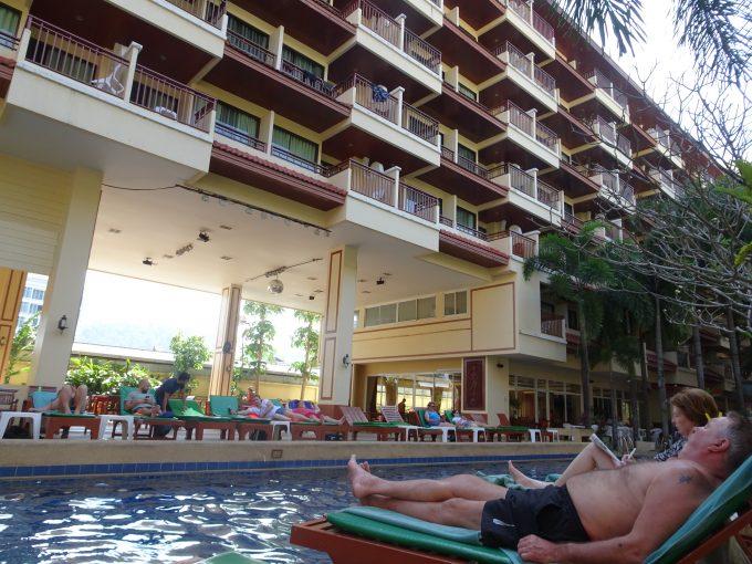 ホテルに併設されていたプール