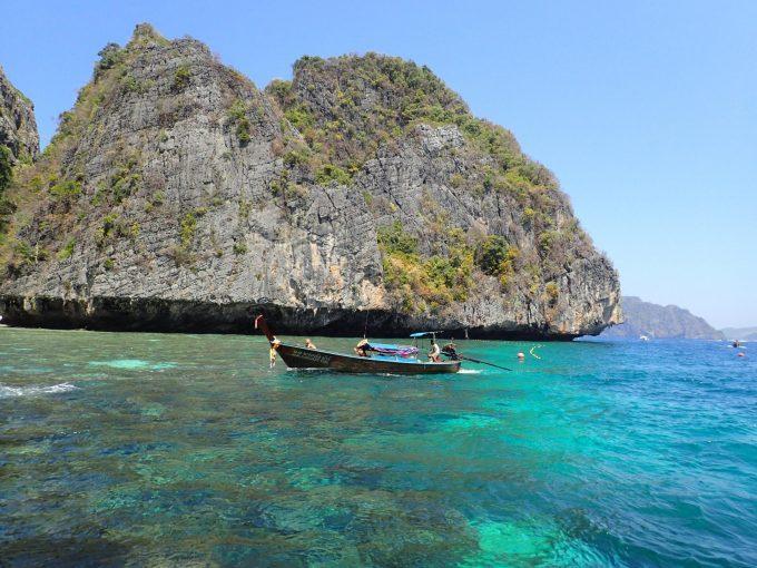 ピピ島、カイ島の海