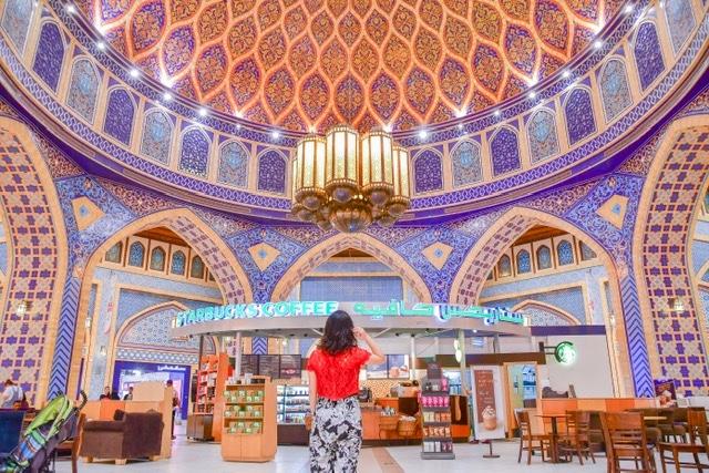 「世界一美しい」と称されるIbn Battuta Mall(イブンバトゥータモール)のスタバ